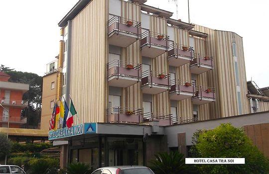 Hotel Casa Tra Noi Via Monte Del Gallo  Roma